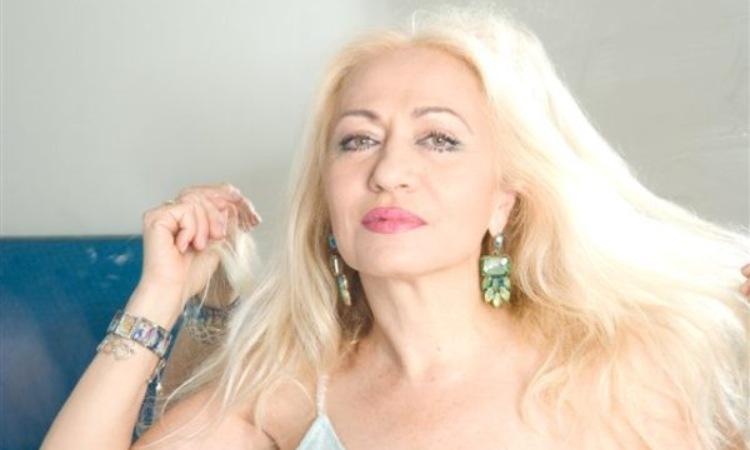 Una fotografia inerente alla cantante e scrittrice Franchina